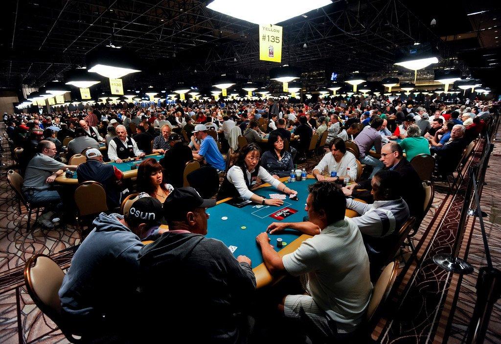 poker round
